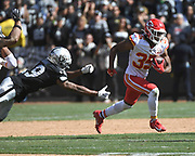 Sep 15, 2019; Oakland, CA, USA; Kansas City Chiefs cornerback Charvarius Ward (35) returns an interception in the third quarter against the Oakland Raiders at Oakland-Alameda County Coliseum. The Chiefs defeated the Raiders 28-10..(Gerome Wright/Image of Sport)