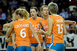 29-10-2011 VOLLEYBAL: NEDERLAND - BELGIE: ALMERE<br /> De eerste oefenwedstrijd als voorbereiding op het pre OKT wordt met 3-0 gewonnen van Belgie / (L-R) Lonneke Sloetjes, Captain Manon Flier<br /> ©2011-WWW.FOTOHOOGENDOORN.NL