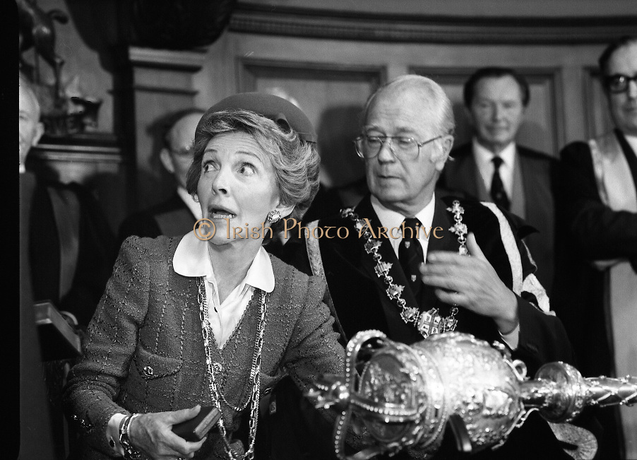 Nancy Reagan .Visits the Royal College Of Surgeons..St Stephens Green,.1984..04.06.1984.06.04.1984.4th June 1984..Nancy Reagan visited the Royal College of Surgeons where she unveilled a portrait of her late father.Her father, Dr Loyal Davis was an Honorary Fellow of the college. Mrs Reagan then presented the portrait to the college.