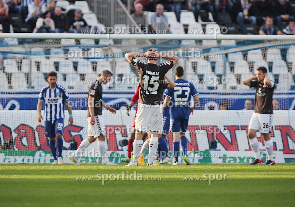 10.04.2015, Wildparkstadion, Karlsruhe, GER, 2. FBL, Karlsruher SC vs FC St. Pauli, 28. Runde, im Bild Daniel Buballa (FC St. Pauli) nach vergebener Chance beide Arme am Kopf // during the 2nd German Bundesliga 28th round match between Karlsruher SC and FC St. Pauli at the Wildparkstadion in Karlsruhe, Germany on 2015/04/10. EXPA Pictures &copy; 2015, PhotoCredit: EXPA/ Eibner-Pressefoto/ Bermel<br /> <br /> *****ATTENTION - OUT of GER*****