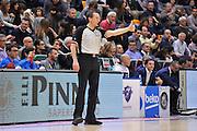 DESCRIZIONE : Sassari LegaBasket Serie A 2015-2016 Dinamo Banco di Sardegna Sassari - Giorgio Tesi Group Pistoia<br /> GIOCATORE : Alessandro Vicino<br /> CATEGORIA : Arbitro Referee Ritratto Before Pregame<br /> SQUADRA : AIAP<br /> EVENTO : LegaBasket Serie A 2015-2016<br /> GARA : Dinamo Banco di Sardegna Sassari - Giorgio Tesi Group Pistoia<br /> DATA : 27/12/2015<br /> SPORT : Pallacanestro<br /> AUTORE : Agenzia Ciamillo-Castoria/C.Atzori