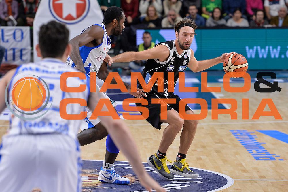 DESCRIZIONE : Campionato 2015/16 Serie A Beko Dinamo Banco di Sardegna Sassari - Dolomiti Energia Trento<br /> GIOCATORE : Giuseppe Poeta<br /> CATEGORIA : Palleggio<br /> SQUADRA : Dolomiti Energia Trento<br /> EVENTO : LegaBasket Serie A Beko 2015/2016<br /> GARA : Dinamo Banco di Sardegna Sassari - Dolomiti Energia Trento<br /> DATA : 06/12/2015<br /> SPORT : Pallacanestro <br /> AUTORE : Agenzia Ciamillo-Castoria/L.Canu