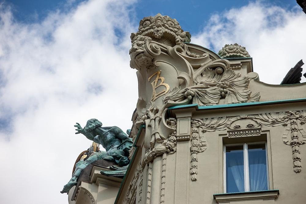 Blumenornamente am Prager Goethe Institut.