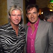 Uitreiking populariteitsprijs 2002, Dries Roelvink en Gerard Joling