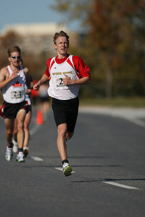(Ottawa, ON---18 October 2008) STEVE KOZIARSKI competes in the 2008 TransCanada 10km Canadian Road Race Championships. Photograph copyright Sean Burges/Mundo Sport Images (www.msievents.com).
