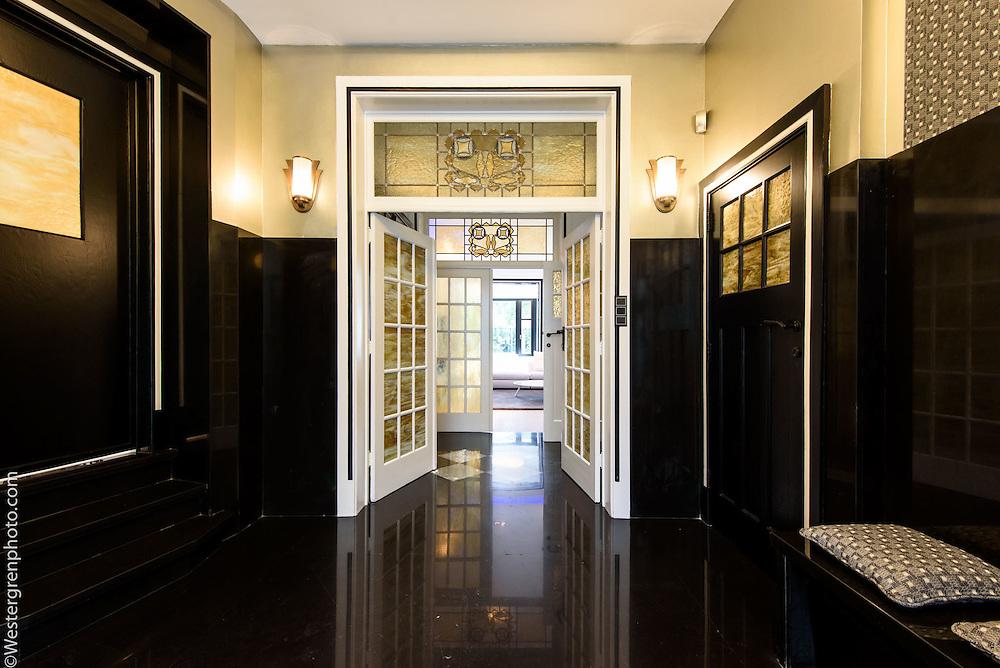 21 Avenue de l'Echevinage, 1180 Uccle, Belgium. Main entrance hall.