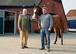 Portrait Hans-Helmut Sievers mit Harm Sievers<br /> Tasdorf - Portrait Hans Helmut Sievers 2015<br /> © www.sportfots-lafrentz.de/Stefan Lafrentz
