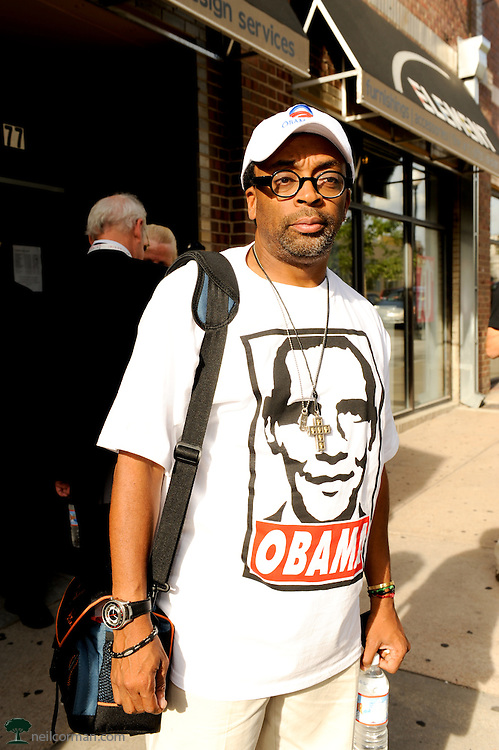 August 27, 2008 - Filmmaker Spike Lee in Denver during the Democratic National Convention shows his support for Barack Obama.