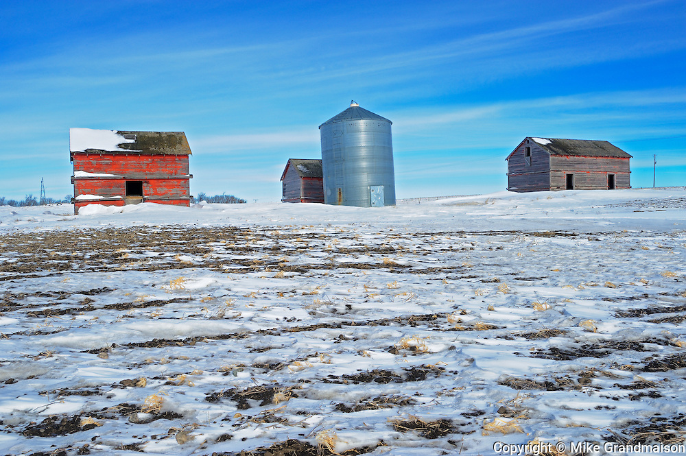 Old farmstead in winter<br /> Viceroy<br /> Saskatchewan<br /> Canada