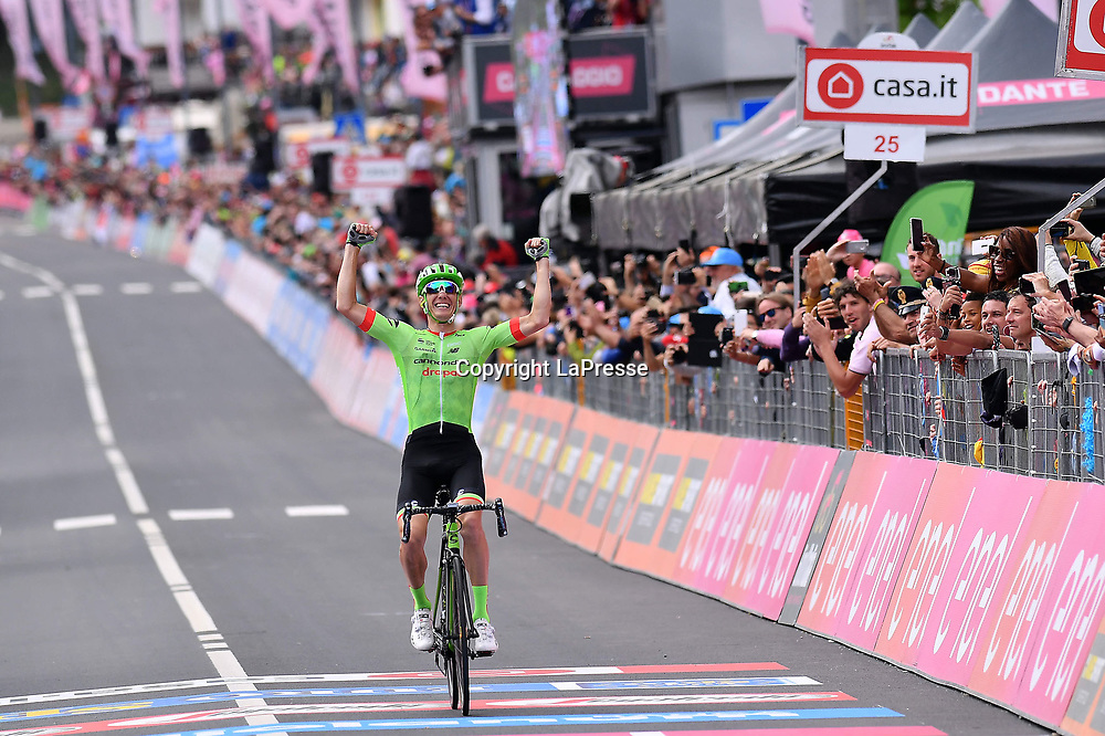 Foto LaPresse - Gian Mattia D'Alberto<br /> 24/05/2017  Canazei (Italia)<br /> Sport Ciclismo<br /> Giro d'Italia 2017 - 100a edizione -  Tappa 17 - da Tirano a Canazei (Val di Fassa) -  219 km ( 136 miglia )<br /> Nella foto: ROLLAND Pierre ( FRA )( Cannondale-Drapac Pro C.T. ) , vincitore di tappa<br /> <br /> Photo LaPresse - Gian Mattia D'Alberto<br /> May 24, 2017 Canazei ( Italy ) <br /> Sport Cycling<br /> Giro d'Italia 2017 - 100th edition -  Stage 17  - Tirano to Canazei (Val di Fassa) - 219 km ( 136 miles )<br /> In the pic: ROLLAND Pierre ( FRA )( Cannondale-Drapac Pro C.T. ) , winner of the stage