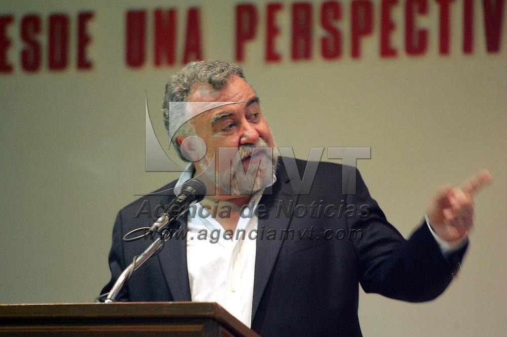 Metepec, Mex.- Alejandro Encinas, ex Jefe de Gobierno del Distrito Federal, durante su participacion en &quot;La Funcion de las Administraciones Municipales en el Estado de Mexico, desde una Perspetiva de la Izquierda Democratica&quot;, donde estuvo presente el edil de Metepec, Oscar Gonzalez Ya&ntilde;ez&middot;. Agencia MVT / Javier Rodriguez. (DIGITAL)<br /> <br /> NO ARCHIVAR - NO ARCHIVE<br /> Metepec, Mex.- Alejandro Encinas, ex Jefe de Gobierno del Distrito Federal, durante su participacion en &quot;La Funcion de las Administraciones Municipales en el Estado de Mexico, desde una Perspetiva de la Izquierda Democratica&quot;, donde estuvo presente el edil de Metepec, Oscar Gonzalez Ya&ntilde;ez&middot;. Agencia MVT / Javier Rodriguez. (DIGITAL)<br /> <br /> NO ARCHIVAR - NO ARCHIVE