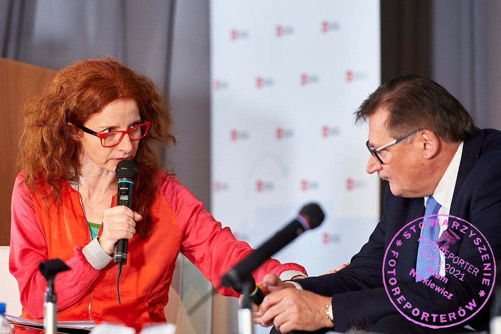Warsaw, Poland - 2017 April 07: (L) Beata Jewiarz - actress, journalist, cultural animator speaks during The Day of Health - science conference in the National Library on April 07, 2017 in Warsaw, Poland.<br /> <br /> Mandatory credit:<br /> Photo by © © Adam Nurkiewicz / Mediasport / Mediasport<br /> <br /> Picture also available in RAW (NEF) or TIFF format on special request.<br /> <br /> Any editorial, commercial or promotional use requires written permission from the author of image.<br /> <br /> Adam Nurkiewicz declares that he has no rights to the image of people at the photographs of his authorship.