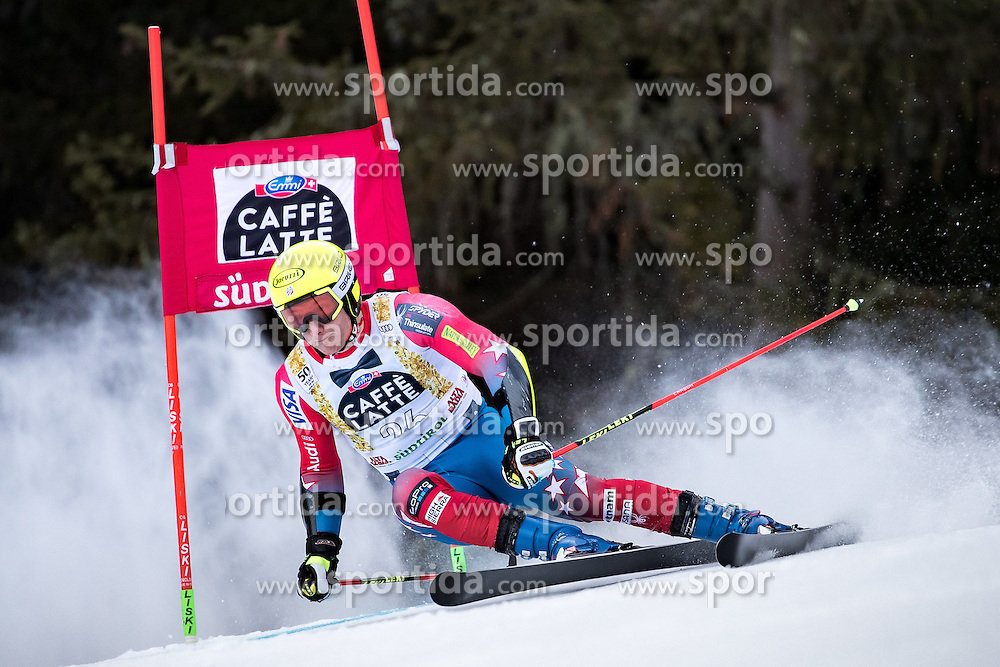 19.12.2016, Grand Risa, La Villa, ITA, FIS Ski Weltcup, Alta Badia, Riesenslalom, Herren, 1. Lauf, im Bild Tim Jitloff (USA) // Tim Jitloff of the USA in action during 1st run of men's Giant Slalom of FIS ski alpine world cup at the Grand Risa race Course in La Villa, Italy on 2016/12/19. EXPA Pictures © 2016, PhotoCredit: EXPA/ Johann Groder