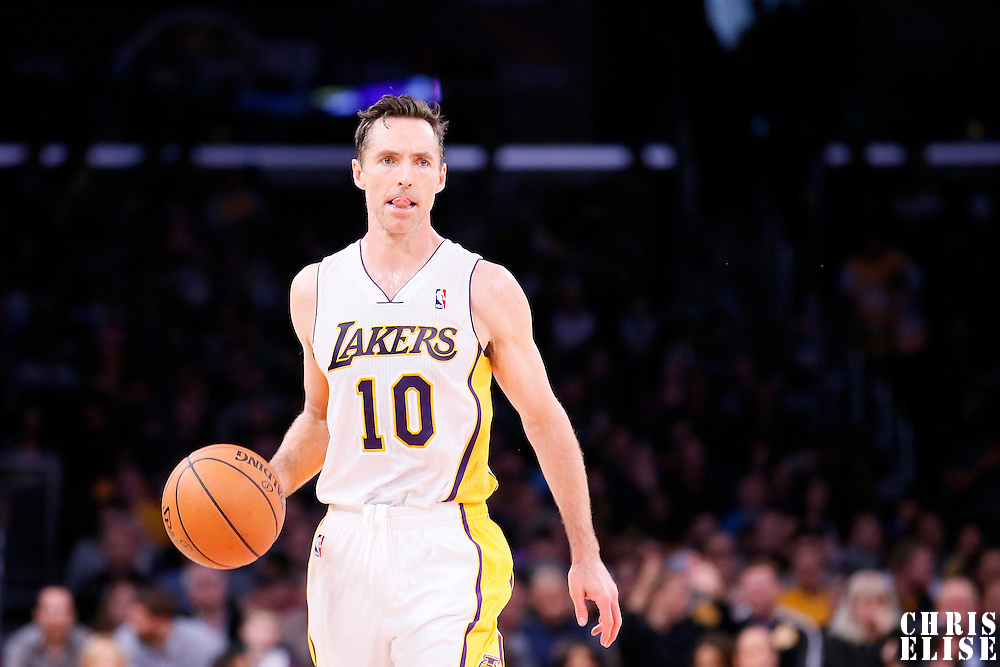 09 February 2014: Los Angeles Lakers point guard Steve Nash (10) brings the ball upcourt during the Chicago Bulls 92-86 victory over the Los Angeles Lakers at the Staples Center, Los Angeles, California, USA.