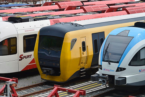 Nederland, Arnhem 21-5-2014In Arnhem staan treinen van vervoerders NS, Arriva en Breng op een rangeerterrein geparkeerd..Foto: Flip Franssen/Hollandse Hoogte