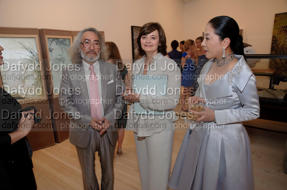 KANG HYUNG KOO;  CHERIE BLAIR; DOWAGER VISCOUNTESS ROTHERMERE;, Korean Eye Dinner  hosted by The Dowager Viscountess Rothermere and Simon De Pury.Sponsored by CJ, Korean Food Globalization Team, Hino Consulting and Visit Korea Committee. Phillips de Pury Space, Saatchi Gallery.  Sloane Sq. London. 2 July 2009.