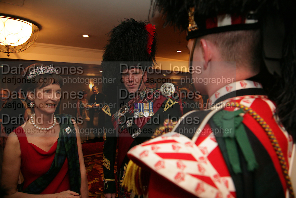 Iona, Duchess of Argyll, Pipe Major Stewart Paton. The Royal Caledonian Ball 2007. Grosvenor House. 4 May 2007.  -DO NOT ARCHIVE-© Copyright Photograph by Dafydd Jones. 248 Clapham Rd. London SW9 0PZ. Tel 0207 820 0771. www.dafjones.com.