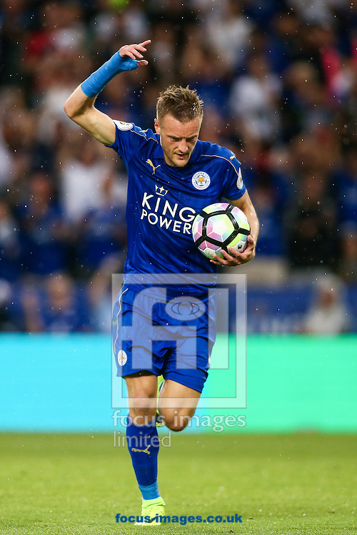 Jamie Vardy of Leicester City celebrates scoring during the Premier League match at the King Power Stadium, Leicester<br /> Picture by Andy Kearns/Focus Images Ltd 0781 864 4264<br /> 27/08/2016