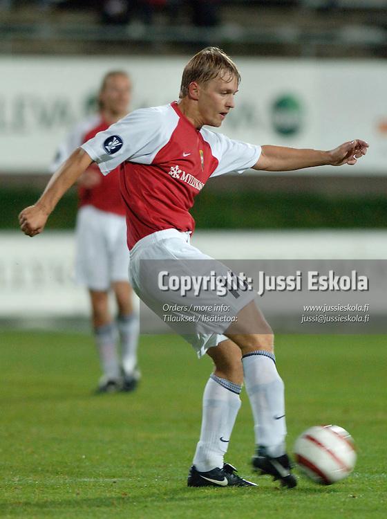 Toni Huttunen, MyPa.&amp;#xA;2005.&amp;#xA;Veikkausliiga.&amp;#xA;Photo: Jussi Eskola<br />
