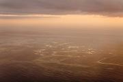 Aerial view of the Atlantic Ocean near Fuerteventura at sunset // De Atlantische Oceaan vanuit de lucht gezien nabij Fuerteventura bij zonsondergang.