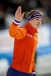 410-12-2016 NED: ISU World Cup Speed Skating, Heerenveen<br /> 1500 m women / Ireen Wüst heeft tijdens de vierde wereldbeker schaatsen in Heerenveen de 1500 meter op haar naam geschreven. Wust zegevierde in het vernieuwde Thialf in een tijd van 1.55,34.