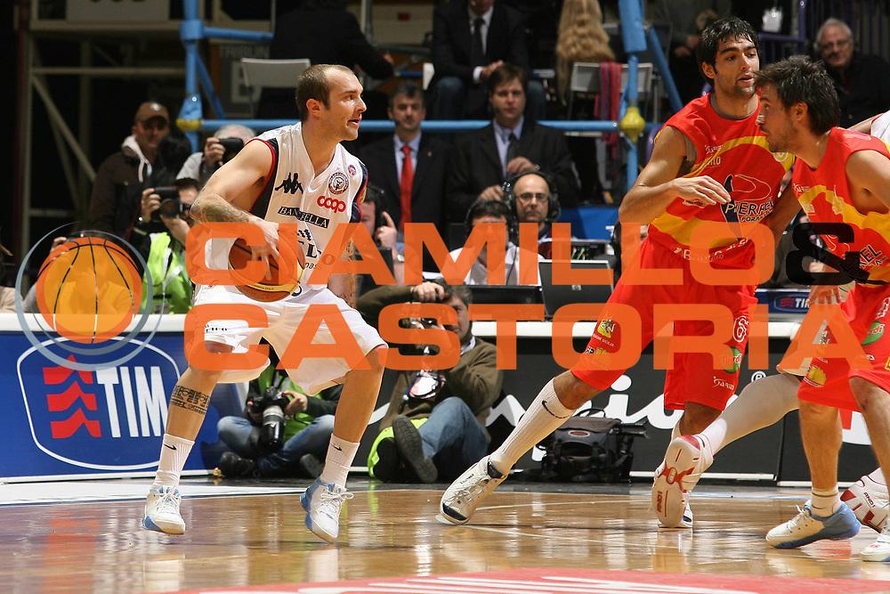 DESCRIZIONE : Bologna Final Eight 2008 Quarti di Finale Pierrel Capo Orlando Angelico Biella <br /> GIOCATORE : Valerio Spinelli  <br /> SQUADRA : Angelico Biella <br /> EVENTO : Tim Cup Basket For Life Coppa Italia Final Eight 2008 <br /> GARA : Angelico Biella Pierrel Capo Orlando<br /> DATA : 08/02/2008 <br /> CATEGORIA : Palleggio<br /> SPORT : Pallacanestro <br /> AUTORE : Agenzia Ciamillo-Castoria/M.Marchi