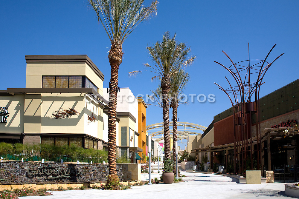Anaheim Garden Walk Dining, Entertainment and Shopping Plaza