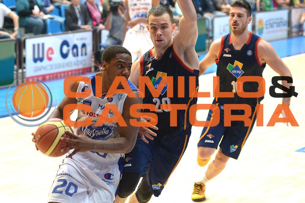 DESCRIZIONE : Cant&ugrave; Lega A 2013-14 Acqua Vitasnella Cant&ugrave; vs Acea Virtus Roma playoff semifinali  gara 1<br /> GIOCATORE : Joe Ragland<br /> CATEGORIA : Palleggio<br /> SQUADRA : Acqua Vitasnella Cant&ugrave;<br /> EVENTO : Campionato Lega A 2012-2013<br /> GARA : Acqua Vitasnella Cant&ugrave; vs Acea Virtus Roma<br /> DATA : 20/05/2014<br /> SPORT : Pallacanestro <br /> AUTORE : Agenzia Ciamillo-Castoria/I.Mancini<br /> Galleria : Lega Basket A 2012-2013  <br /> Fotonotizia : Cant&ugrave;<br /> Lega A 2013-14 Acqua Vitasnella Cant&ugrave; vs Acea Virtus Roma  playoff semifinale gara 1<br /> Predefinita :