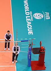 20150620 NED: World League Nederland - Portugal, Groningen<br /> De Nederlandse volleyballers hebben in de World League het vierde duel met Portugal verloren. Na twee uitzeges en de 3-0 winst van vrijdag boog de ploeg van bondscoach Gido Vermeulen zaterdag in Groningen met 3-2 voor de Portugezen: (25-15, 21-25, 23-25, 25-21, 11-15) / Scheidsrechters