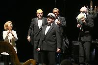 Mannheim. 11.02.18  <br /> Nationaltheater. Gro&szlig;e b&uuml;rgerschaftliche Auszeichnung &quot;Das Bloomaul&quot; an Rolf G&ouml;tz.<br /> Das Auswahlkomitee, darunter Bert Siegelmann, Achim Weizel und Marcus Haas, entschied sich f&uuml;r Rolf G&ouml;tz. Helen Heberer h&auml;lt die Laudatio.<br /> Bild-ID 077   Markus Pro&szlig;witz 11FEB18 / masterpress