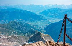THEMENBILD - der Blick vom Kitzsteinhorn Gipfel auf Kaprun, das Zeller Becken, Saalfelden und die umliegende Bergwelt, aufgenommen am 01. Juli 2019, Kaprun, Österreich // the view from the Kitzsteinhorn summit to Kaprun, the Zell basin, Saalfelden and the surrounding mountain world on 2019/07/01, Kaprun, Austria. EXPA Pictures © 2019, PhotoCredit: EXPA/ Stefanie Oberhauser