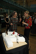 Mary Drage and Gemma Bond, 75 Anniversary celebration fort the Royal Ballet. Royal Opera House. Covent garfden. London. 23 April 2006. ONE TIME USE ONLY - DO NOT ARCHIVE  © Copyright Photograph by Dafydd Jones 66 Stockwell Park Rd. London SW9 0DA Tel 020 7733 0108 www.dafjones.com