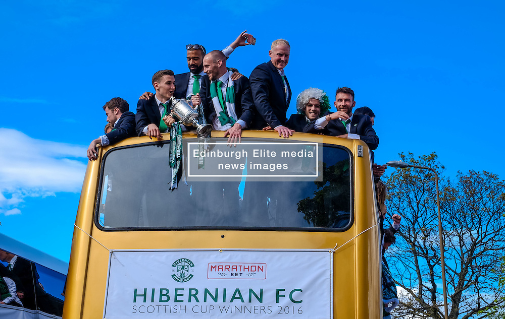 Edinburgh Sunday 22nd May 2015:  Hibernian Football Club fans celebrate their teams victory in the Scottish Cup at Leith Links.  The team paraded through the city of Edinburgh from the Lawnmarket to Leith Links where they were met by jubilant fans.<br /> <br /> (c) Andrew Wilson | Edinburgh Elite media
