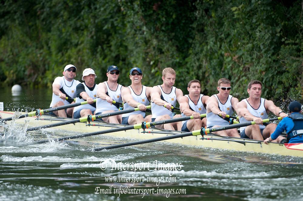 Henley, Great Britain.  Henley Royal Regatta. River Thames,  Henley Reach.  Royal Regatta. River Thames Henley Reach. Thursday  12:00:06  30/06/2011  [Intersport Images] . HRR