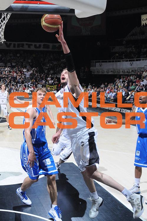 DESCRIZIONE : Bologna Lega A 2010-11 Canadian Solar Bologna Dinamo Sassari<br /> GIOCATORE :Viktor sanikidze  <br /> SQUADRA : Canadian Solar Bologna Dinamo Sassari<br /> EVENTO : Campionato Lega A 2010-2011 <br /> GARA : Canadian Solar Bologna Dinamo Sassari<br /> DATA : 03/04/2011<br /> CATEGORIA : Tiro<br /> SPORT : Pallacanestro <br /> AUTORE : Agenzia Ciamillo-Castoria/M.Gregolin<br /> Galleria : Lega Basket A 2010-2011 <br /> Fotonotizia : Bologna Lega A 2010-11 Canadian Solar Bologna Dinamo Sassari<br /> Predefinita :