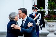 DEN HAAG - Minister-president Mark Rutte ontvangt zijn Britse ambtsgenoot Theresa May voor een werkontbijt over de brexit op het Catshuis. May wil vooral concessies op het het gebied van de Noord-Ierse grens. COPYRUGHT ROBIN UTRECHT