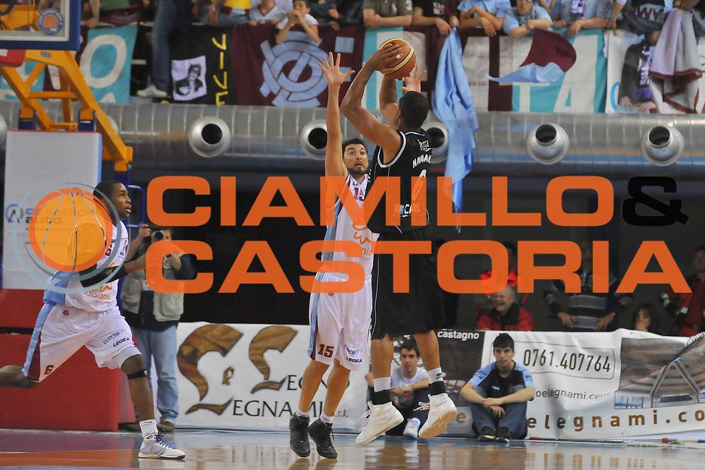 DESCRIZIONE : Rieti Lega A 2008-09 Solsonica Rieti Carife Ferrara<br /> GIOCATORE : Oluoma Nnamaka<br /> SQUADRA : Carife Ferrara<br /> EVENTO : Campionato Lega A 2008-2009 <br /> GARA : Solsonica Rieti Carife Ferrara<br /> DATA : 07/05/2009<br /> CATEGORIA : Three Points<br /> SPORT : Pallacanestro <br /> AUTORE : Agenzia Ciamillo-Castoria/E.Grillotti