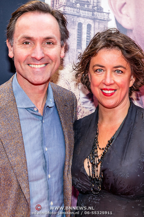 NLD/Amsterdam/20161120 - premiere Ciske de Rat de Musical, hugo Haenen en partner Anke Knottenbelt