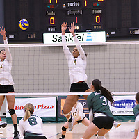 5th year middle Molly Wade-Cummings (4) of the Regina Cougars in action during Women's Volleyball home game on November 18 at Centre for Kinesiology, Health and Sport. Credit: /Arthur Images