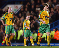 Fotball<br /> Premier League England 2004/2005<br /> 18.12.2004<br /> Foto: SBI/Digitalsport<br /> NORWAY ONLY<br /> <br /> Barclays Premiership.<br /> Chelsea v Norwich City<br /> 18/12/2004<br /> <br /> Gary Doherty, Simon Charlton and Thomas Helveg are left stunned as Chelsea score their fourth goal