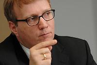 09 JAN 2007, BERLIN/GERMANY:<br /> Ronald Pofalla, CDU Generalsekretaer, waehrend einem Interview, in seinem Buero, CDU Bundesgeschaeftsstelle<br /> IMAGE: 20070109-01-013