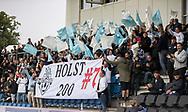 Tilskuerne hylder Anders Holst (FC Helsingør) for hans kamp nummer 200 under kampen i 2. Division mellem FC Helsingør og Holbæk B&I den 6. september 2019 på Helsingør Ny Stadion (Foto: Claus Birch).