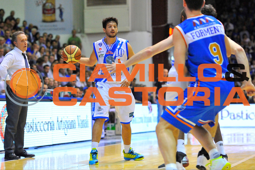 DESCRIZIONE : Campionato 2013/14 Quarti di Finale GARA 2 Dinamo Banco di Sardegna Sassari - Enel Brindisi<br /> GIOCATORE : Massimo Chessa<br /> CATEGORIA : Palleggio<br /> SQUADRA : Dinamo Banco di Sardegna Sassari<br /> EVENTO : LegaBasket Serie A Beko Playoff 2013/2014<br /> GARA : Dinamo Banco di Sardegna Sassari - Enel Brindisi<br /> DATA : 21/05/2014<br /> SPORT : Pallacanestro <br /> AUTORE : Agenzia Ciamillo-Castoria / Luigi Canu<br /> Galleria : LegaBasket Serie A Beko Playoff 2013/2014<br /> Fotonotizia : DESCRIZIONE : Campionato 2013/14 Quarti di Finale GARA 2 Dinamo Banco di Sardegna Sassari - Enel Brindisi<br /> Predefinita :