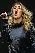 Ellie Goulding plays the Pyramid Stage - The 2016 Glastonbury Festival, Worthy Farm, Glastonbury.