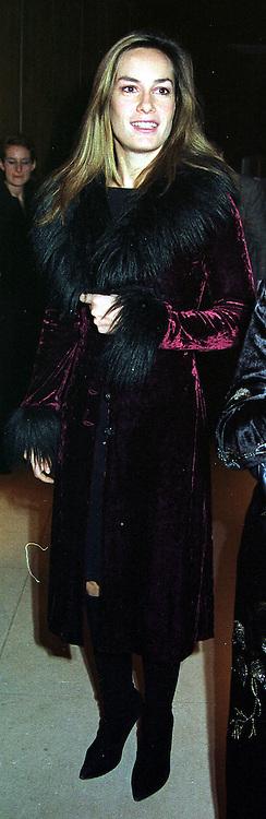 Social figure MISS TARA PALMER-TOMKINSON, at a party in London on 12th October 1999.MXM 24