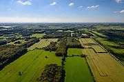 Nederland, Utrecht, gemeente Wijk bij Duurstede, 30-09-2015; landschap ten Westen van Langbroek. Het coulissenlandschap langs de Langbroekerwetering. Ontstaan door de ontginning van het oorsprpnkelijke moerassige gebied. Landgoed Rhodesteyn-Hindersteyn.<br /> Scenic landscape, result of the reclamation of the original marsh lands.<br /> luchtfoto (toeslag op standard tarieven);<br /> aerial photo (additional fee required);<br /> copyright foto/photo Siebe Swart