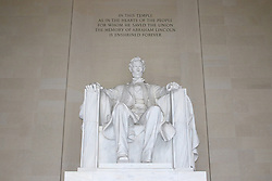 THEMENBILD - In diesem Tempel, so wie in den Herzen der Menschen, f¸r die er die Union rettete, ist die Erinnerung an Abraham Lincoln auf ewig festgehalten. Reisebericht, aufgenommen am 12. Jannuar 2016 in Washington D.C. // In this temple, as in the hearts of people, for which he saved the Union, the memory of Abraham Lincoln is retained forever. Travelogue, Recorded January 12, 2016 in Washington DC. EXPA Pictures © 2016, PhotoCredit: EXPA/ Eibner-Pressefoto/ Hundt<br /> <br /> *****ATTENTION - OUT of GER*****
