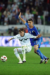 25.03.2011, SRC Stozice, Ljubljana, SLO, EURO 2012 Qualifikation, Slovenia vs Italy, im Bild Milivoje Novakovic Slovenia, Thiago Motta Italia. EXPA Pictures © 2011, PhotoCredit: EXPA/ InsideFoto/ Nicolo Zangirolami +++++ ATTENTION - FOR AUSTRIA/AUT, SLOVENIA/SLO, SERBIA/SRB an CROATIA/CRO CLIENT ONLY +++++