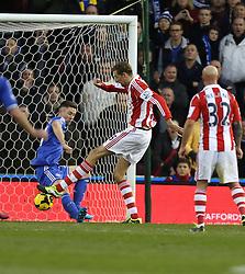 Stoke City's Peter Crouch scores for Stoke - Photo mandatory by-line: Matt Bunn/JMP - Tel: Mobile: 07966 386802 07/12/2013 - SPORT - Football - Stoke-On-Trent - Britannia Stadium - Stoke City v Chelsea - Barclays Premier League