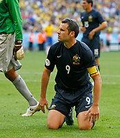 Photo: Glyn Thomas.<br />Brazil v Australia. Group F, FIFA World Cup 2006. 18/06/2006.<br /> Australia's Mark Viduka is dejected.